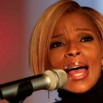 """Mary J. Blige Live: """"This Christmas"""" 